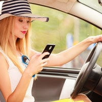 New Jersey Car Accident Lawyers discuss the female drivers and distracted driving.